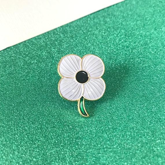Limited 2019 Remember Victim World War Army White Poppy Brooch Enamel Pin Badge