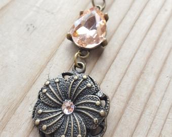Rose Gold Tear Drop Flower Pendant Chain