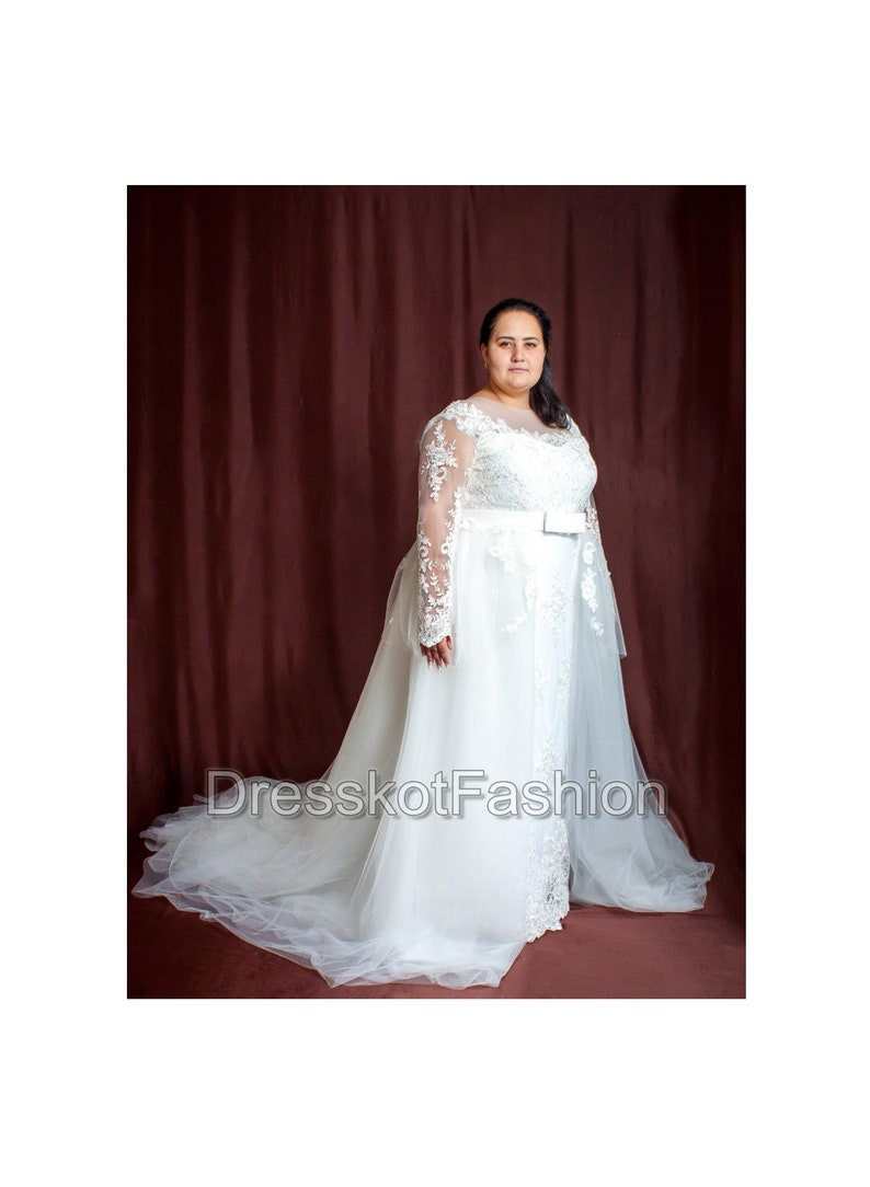 Plus Size Wedding Dress Wedding Dress With Detachable Train Etsy