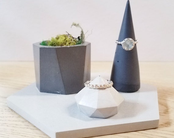 Concrete ring cone set, Cement ring holder, ring holders, ring dish, ring storage, ring cone duo, wedding gift, hostess gift, ring cone set