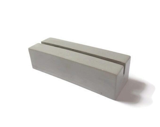 Concrete photo holder