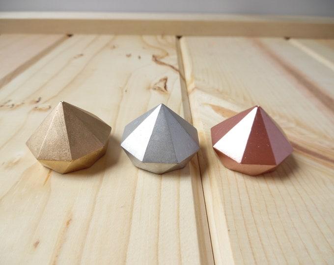 Small Concrete Diamond Holder
