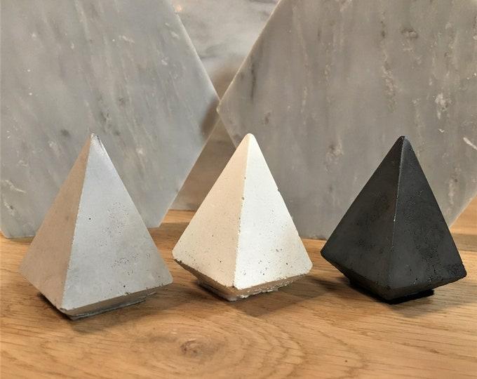 Pyramid Ring Cone