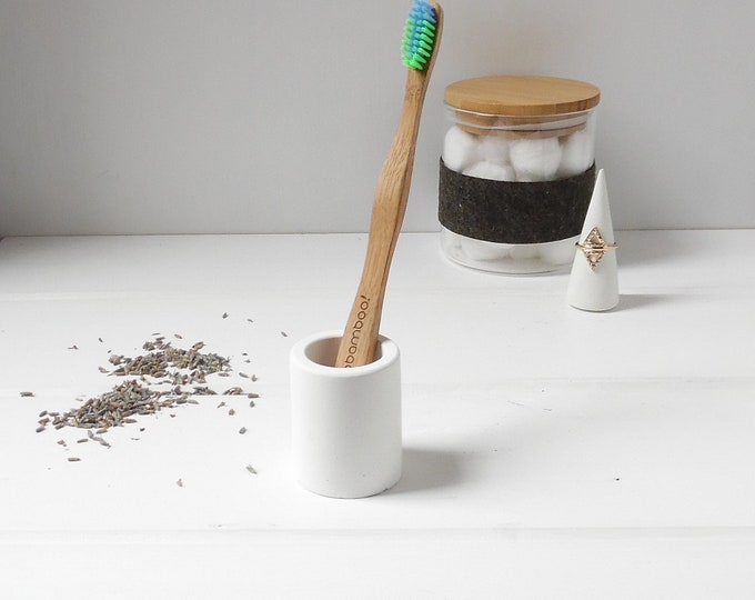 White Concrete Toothbrush Holder