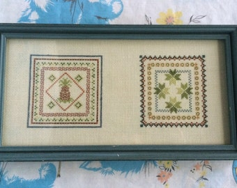 Vintage pineapple Crossstitch - wooden blue frame