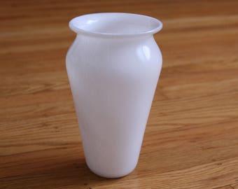 Classic Vase: white