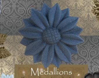 "One ""Daisy"" Curtain Medallion ~SINGLE ITEM~ Hold back,Drapery Tabpost,Rosette"