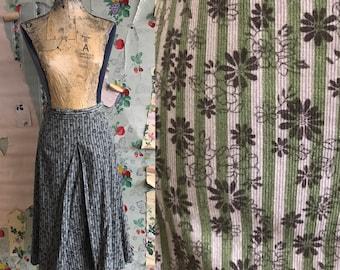 Vintage 1960s/1970s Plus Size Corduroy Floral Box Pleat Skirt. Large/XL. Green, grey, daisy, stripe.