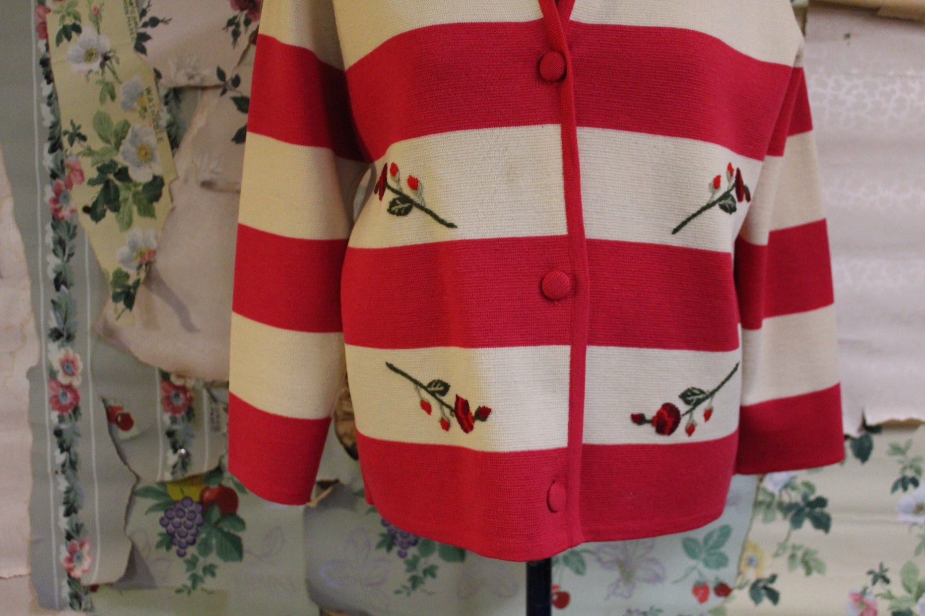 By Copperhive Vintage. Vintage 1940s 1950s Palio Stripe Red and White Wool Embroidered Cardigan Sweater Large