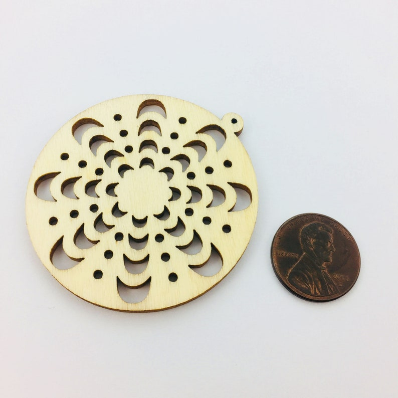 4pcs Natural Wood Moon Phases Round Hollow Charm Pendants for Painting Personalized Geometry Charm 0402-0303