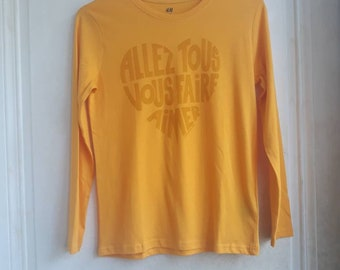 """""""Go all-brown"""" yellow calligram darker long-sleeved """"Go all overtasing"""" -- Size 8/10 years"""