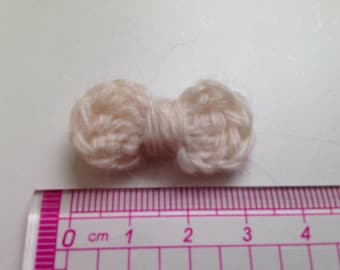4 bow ties beige wool and crochet