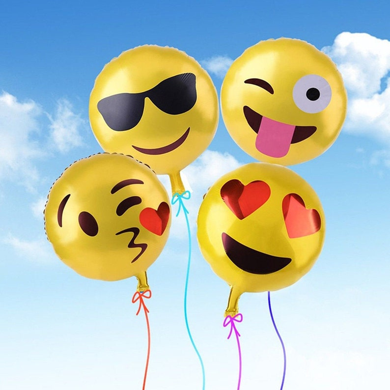 18 Emoji Kissing Heart Balloon First Birthday