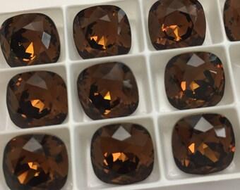 Set of 30 Swarovski cabochon crystals 4470 12mm