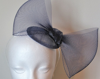Navy fascinator with large bow, wedding fascinator, party fascinator, fascinator with bow, bow fascinator, blue fascinator, navy hairband