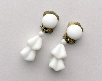 Vintage Clip On Earrings White Milk Glass Beaded Dangle Gold Tone 1940's Retro Vintage Jewelry Clip-on Earrings