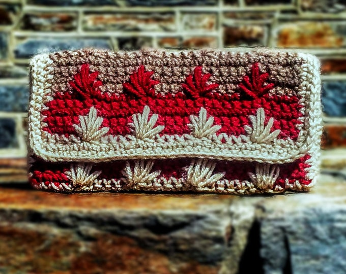 Fleur-de-Lis Flap Clutch | Small crochet handbag in three-tone fall colors with red lining