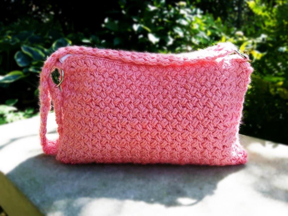 fc7ee1209e Coral Crochet Purse