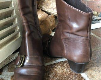 Manfield Tan Brown Flat Faux Leather