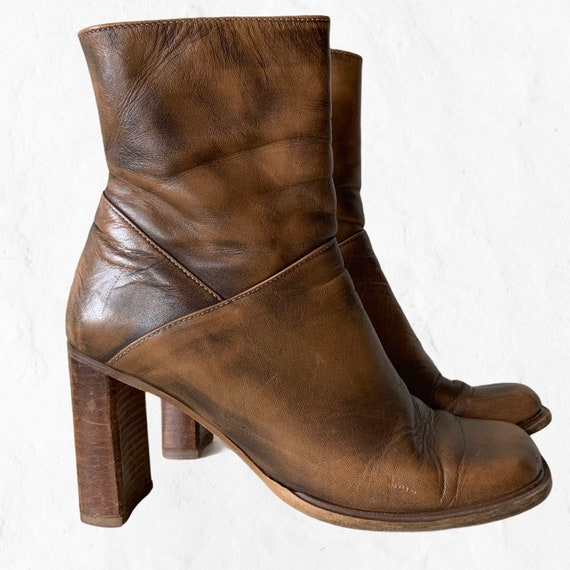 8 B  Vintage Mahogany Brown Leather Side Zip Ankle Boots Size