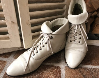 MAINE WOODS, vintage lace up, ankle boots, lace boots, off white leather, ladies, size 39 EU/6 UK.