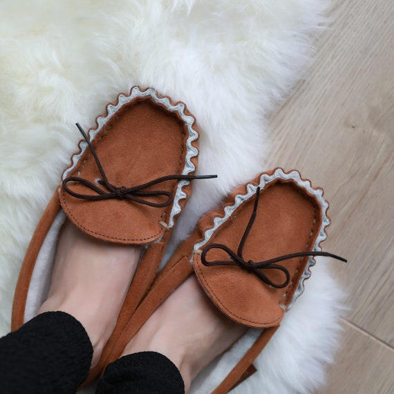 Unisex Luxury Sheepskin Moccasins with Wool Lining /& Hard Sole Made in the UK