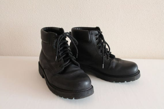 military boots lace up