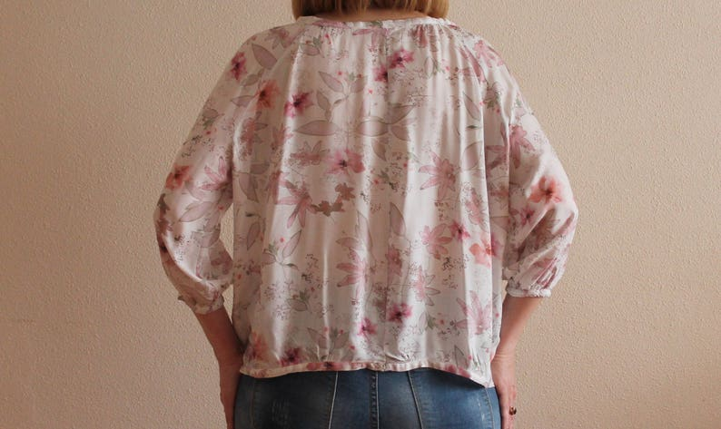 Vintage Blouse Silky Blouse Floral Print Women Top Romantic Summer Shirts 34 Sleeve Pale Pink Ivory Pastel Oversized