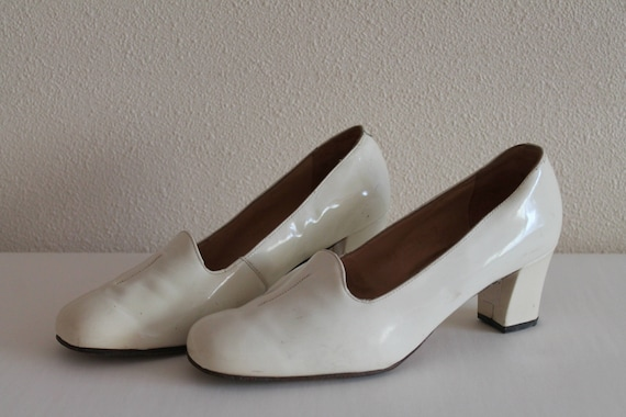 Vintage Shoes 60's 70's Bridal Shoes White Shoes I