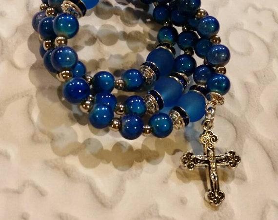 Lutheran rosary bracelet, Lutheran prayer bracelet, memory wire bracelet, beaded bracelet, wrap bracelet, blue Miracle beads, frosted glass