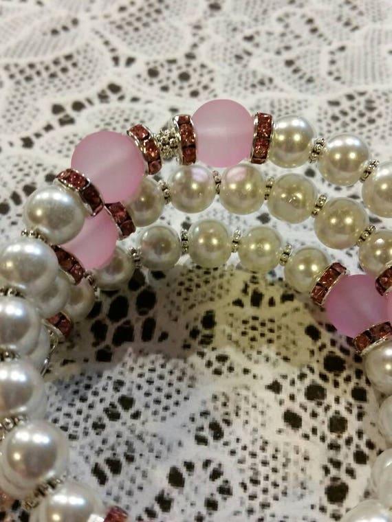 Lutheran rosary bracelet, Lutheran prayer bracelet, memory wire bracelet, wrap bracelet, pink and white glass beads, budded crucifix, silver
