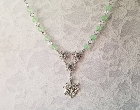 Cimaruta necklace, Cimaruta jewelry, Italian witches amulet, stainless steel pins, pastel green sea glass, silver toned daisy connectors