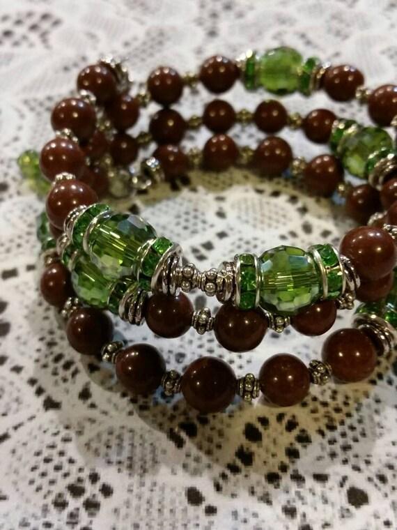 Lutheran rosary bracelet, Lutheran prayer bracelet, memory wire bracelet, wrap bracelet, brown clay beads, reversible cross, green glass