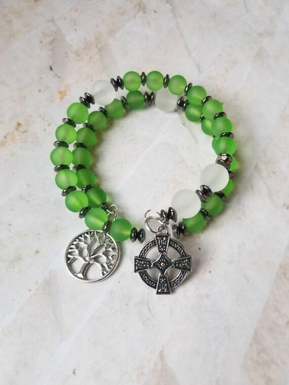 Anglican prayer bead bracelet, memory wire bracelet, beaded bracelet, wrap bracelet, green and clear glass beads, Celtic cross, tree of life