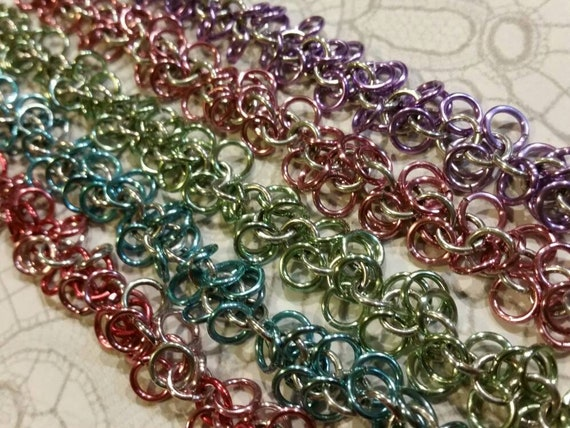 Chain maille bracelet, Shaggy loops bracelet, shaggy loops chain maille bracelet, pastel colors, chainmaille jewelry, chain mail jewellery