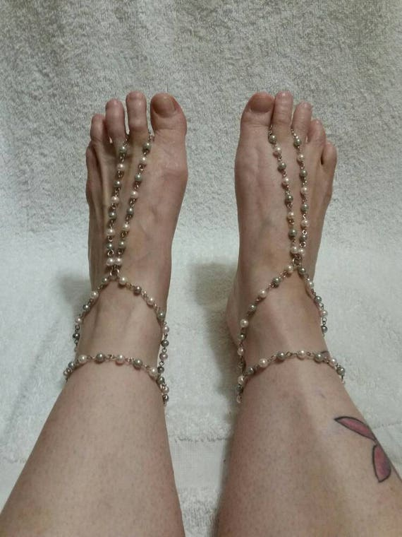 Barefoot sandals, hand wired barefoot or hippie sandals in antique silver tone with pale pink and gray glass pearls and matching bracelet
