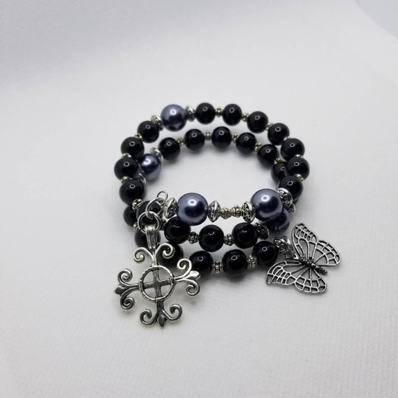 Anglican prayer bead bracelet, memory wire bracelet, beaded bracelet, wrap bracelet, black and gray glass pearls, Protestant prayer beads
