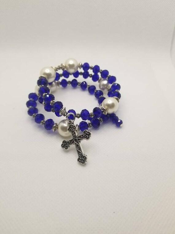 Lutheran rosary bracelet, Lutheran prayer bracelet, memory wire bracelet, wrap bracelet, cobalt blue and ivory glass beads, budded crucifix