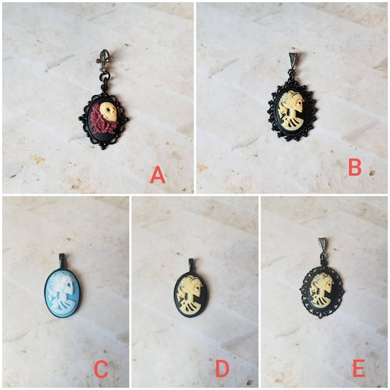 Gothic cameo pendant, Gothic style cameo, Day of the dead cameo, Lolita skeleton cameo, Day of the dead jewelry, Dia de Los muertos cameo