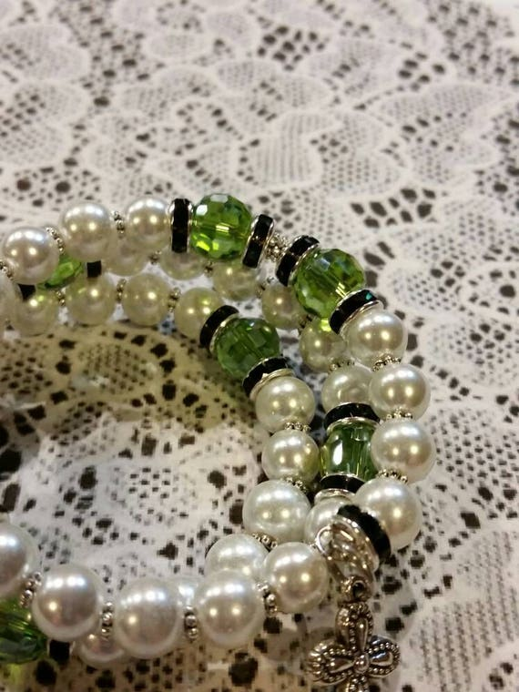 Lutheran rosary bracelet, Lutheran prayer bracelet, memory wire bracelet, beaded bracelet, wrap bracelet, white and green glass beads