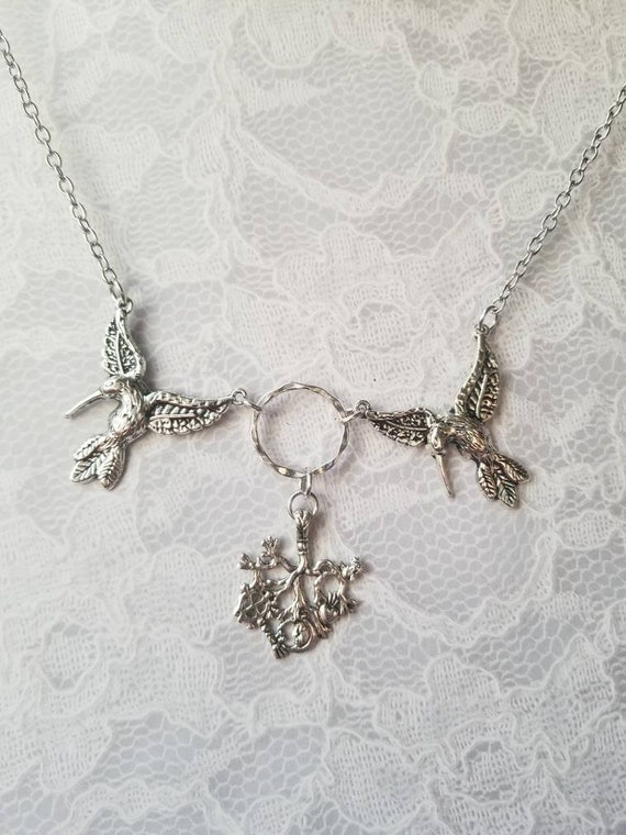 Cimaruta necklace, Cimaruta jewelry, Italian witches amulet, silver toned hummingbird connectors, Stregheria necklace, Hummingbird cimaruta