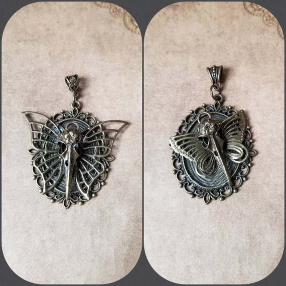 Bird skull necklace, butterfly necklace, bronze raven skull pendant, Gothic jewelry, Victorian jewelry, fantasy necklace, cosplay jewelry