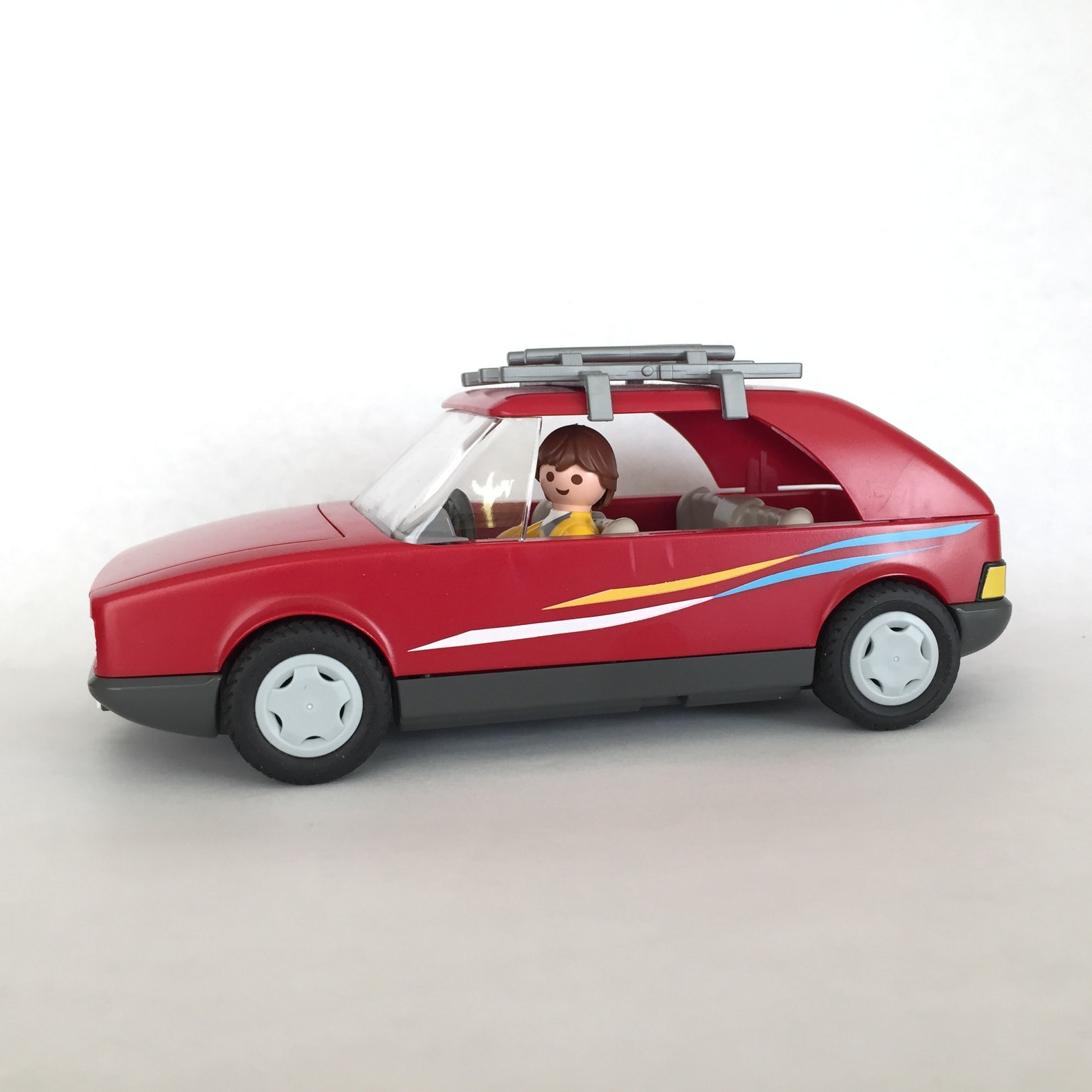 Playmobil, red family car, vintage, kids, toys, male figurine