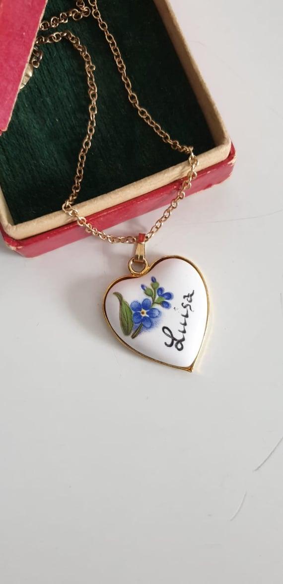 1950s porcelain heart necklace | vintage 50s porce
