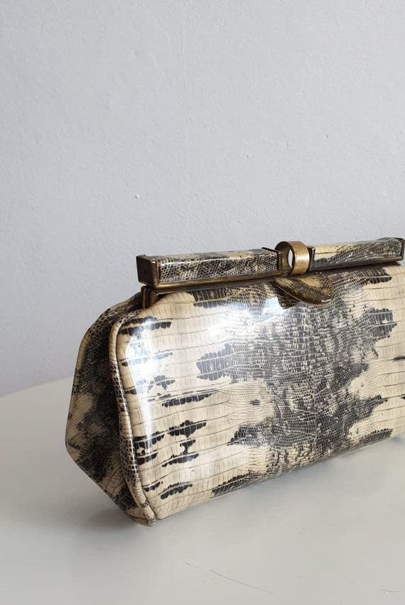1940s patent snakeskin clutch |  vintage 1940s sn… - image 4