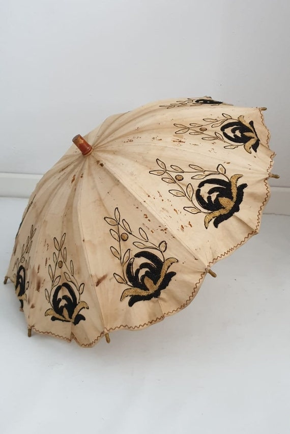 Antique linen parasol | Edwardian embroidery paras