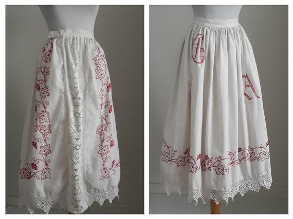 Vintage 1930s embroidered skirt  | 30s peasant ski