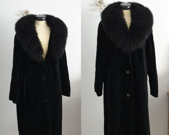 1970s velvet coat | vintage 70s black velvet and m