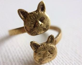 Brass Cat Ring, Gold Cat Ring, Kitty Ring, Cat sitter Gift, Crazy Cat Lady Ring, Vet Gift, Adjustable Cat Ring, Kitten Ring, Two Cats Ring