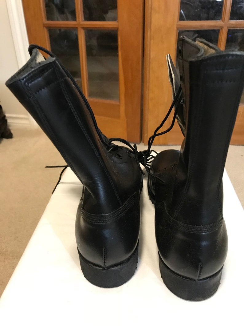 US military vietnam era all leather Combat boots dated 968,New 9 Reg.